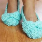 轻松织全家款简单好看蝴蝶结棒针地板鞋