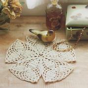 凤梨花样钩针三角花片组合小垫布