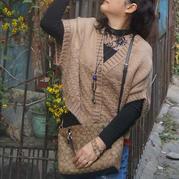 喵夫人大雪女士棒针棋盘格花样披肩式开衫背心